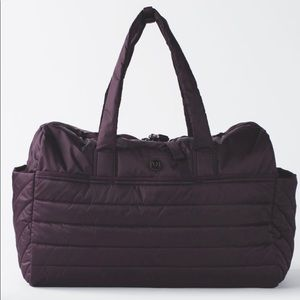 Lululemon Get Lost Duffle Black Cherry OS